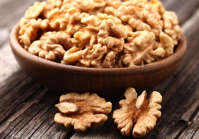 Fresh walnut kernels in a basket