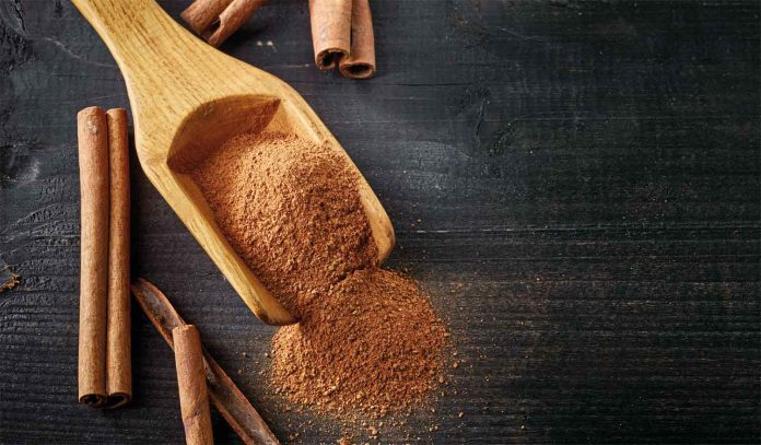 Cinnamon in quill form and powder form