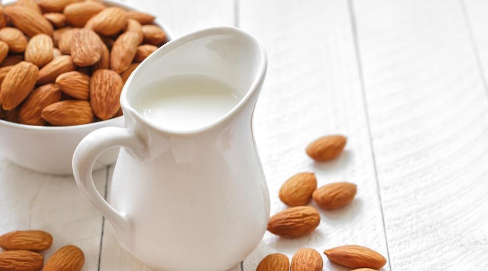 Almond mylk - vegan alternative to dairy milk